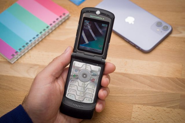 Here's why the Motorola RAZR V3 was once the coolest phone in the world