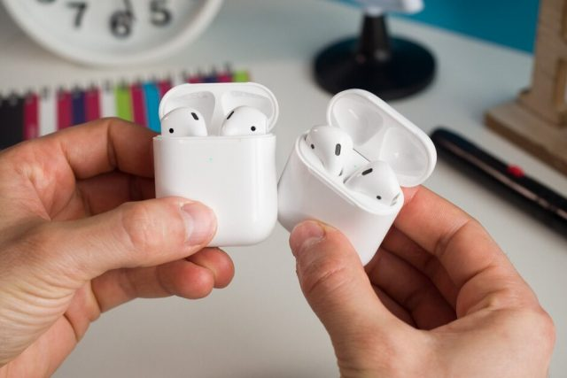 Apple and... Apple are the world's top two true wireless earbuds vendors in terms of revenue